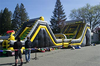 Party Jump toxic rush bounce house