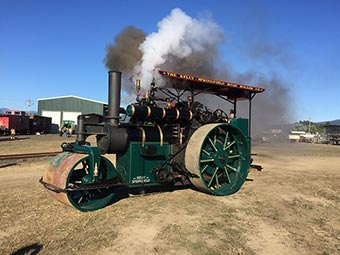 Roots of Motive Power 1921 Kelly Springfield steam roller