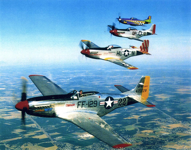P-51 Mustangs in flying formation