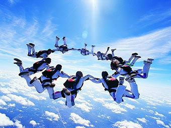 skydiving experts